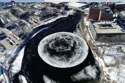 El disco de hielo rotatorio que sorprendió al mundo