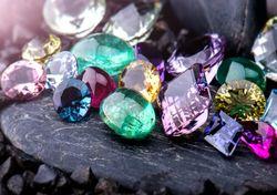 El espacio, un tesoro repleto de piedras preciosas