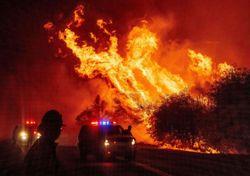 Il fumo degli incendi copre gli Stati Uniti e il Canada