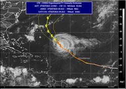 El huracán Larry prosigue su camino hacia el norte como gran huracán