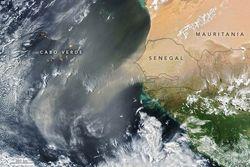 El Norte de África arroja polvo hacia el Atlántico