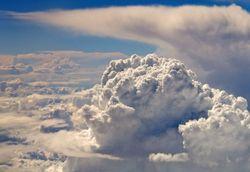 El yunque y la herradura, una fragua en las nubes