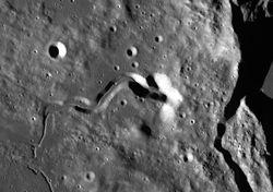 Listos para explorar y colonizar cuevas lunares