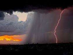 Heute heftige Gewitter und