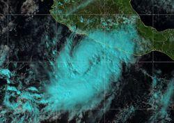 Huracán Rick se acerca peligrosamente a costas de Michoacán y Guerrero