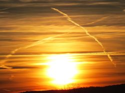 """Impacto climático de las estelas de condensación """"sostenibles"""""""