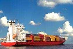 La COVID-19 reduce el tráfico marítimo en el Mediterráneo