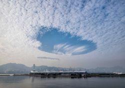 La explicación detrás de los misteriosos agujeros en las nubes