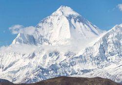 La extraña teoría que explicaría la muerte de 9 alpinistas en el Himalaya