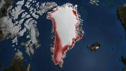 Lloviendo sobre el hielo de Groenlandia en invierno
