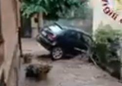 Maltempo, allagamenti e danni in Calabria, Puglia e Sicilia: i video