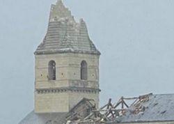 Horror-Unwetter: Tornado bringt Kirchturm zum Einsturz!