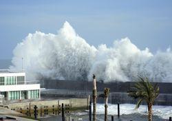 Llegan los temporales otoñales, ¡las playas se preparan para resistir!