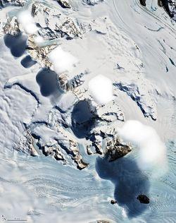 Nubes curiosas en las montañas Transantárticas