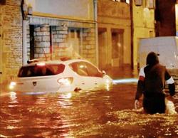 Maltempo in Francia, record di pioggia ad Agen: strade come fiumi