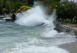 Orkan steuert am Sonntag auf Deutschland zu!