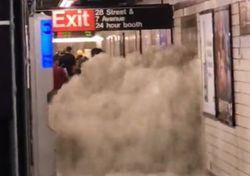 Gravi alluvioni a New York per i resti dell'uragano Ida: i video