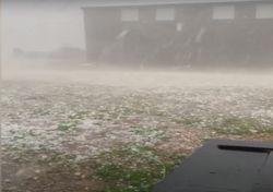 Heftiges Unwetter bringt Tornado und Hagel!