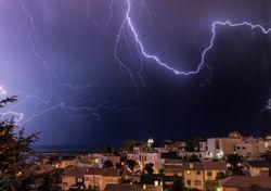 Tempo esta semana: chuva, vento e trovoada a caminho de Portugal