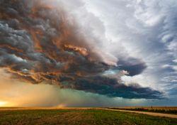 El episodio de tormentas se despedirá con fuertes aguaceros y granizo