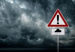 Unwetter in den Flutgebieten: Starkregen und Hagel!