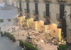 Heftige Bilder aus Catania: Ein Downburst bringt Zerstörung!