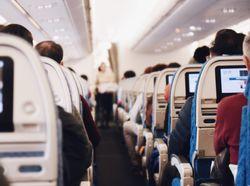 ¿Volar en un avión altera el sabor de las comidas?
