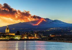 Il vulcano Etna ha una nuova vetta: ed è più alta