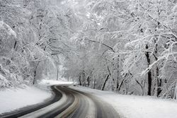 Week-end invernale: rischio neve al nord domenica sera