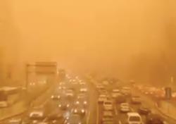 Rekord-Sandsturm in China und der Mongolei. Heftige Bilder!