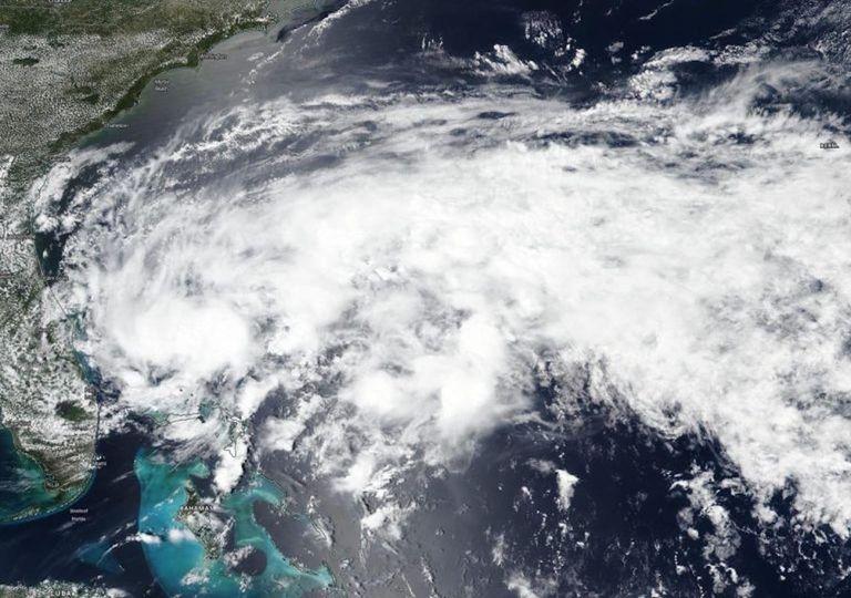 Arthur Depresión Tropical