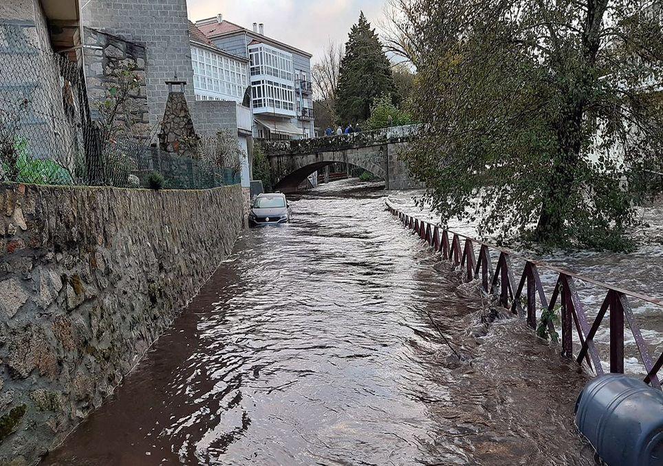 Noviembre ha sido un mes extremadamente lluvioso en el oeste de Galicia, donde se han producido desbordamiento de ríos.