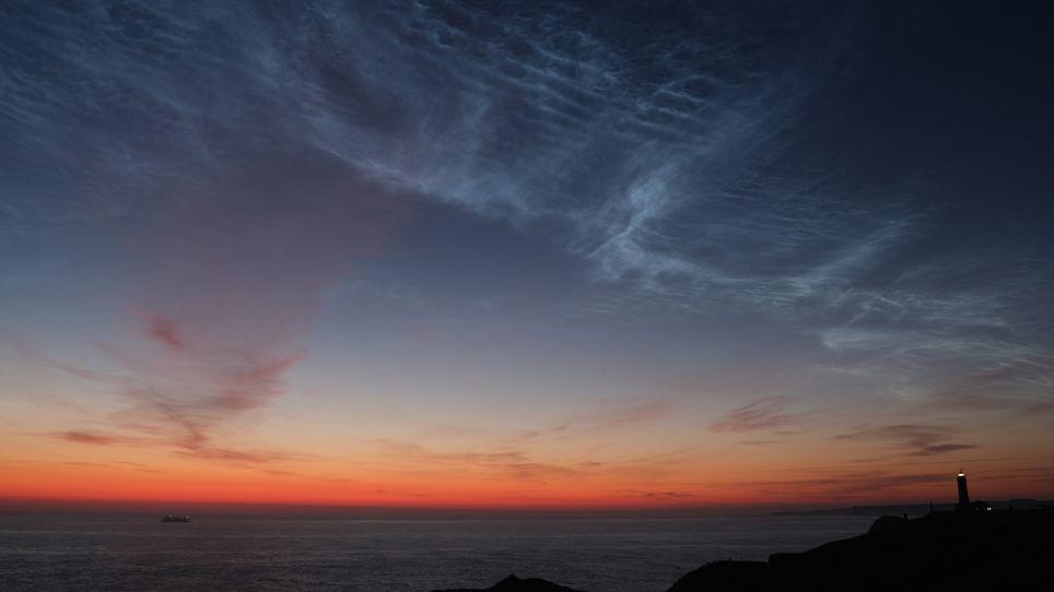 Nubes noctilucentes sobre Santander, el 16 de junio de 2019. Imagen de Antonio Caro
