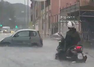 Rom unter Wasser: Heftige Wolkenbrüche in Italien!