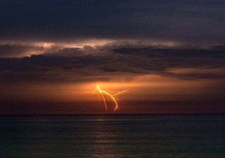 O sal dos oceanos está tornando os raios mais intensos 1