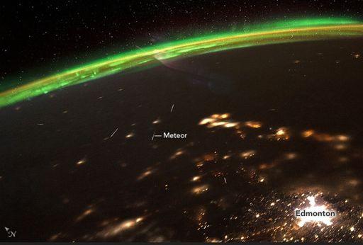 Observando meteoros desde el espacio