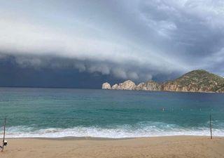 'Olaf' toca tierra en Baja California Sur