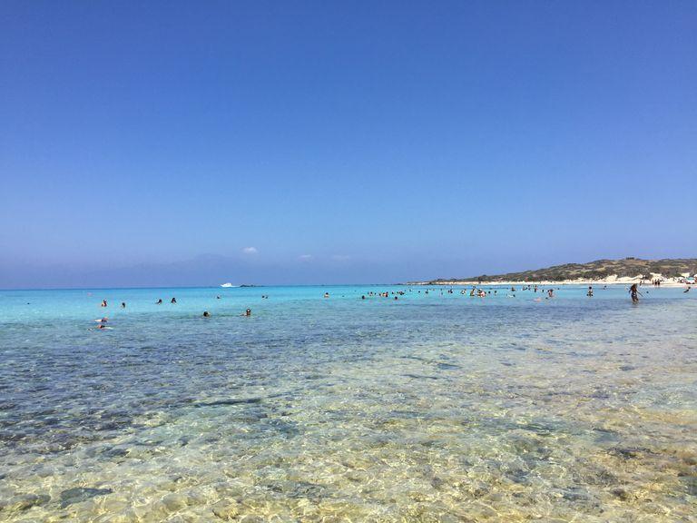 Des eaux translucides, un ciel bleu azur des plages de sable fin... C'est le programme qui attend ceux qui prendront la direction de l'outre-mer pour les fêtes de fin d'année...