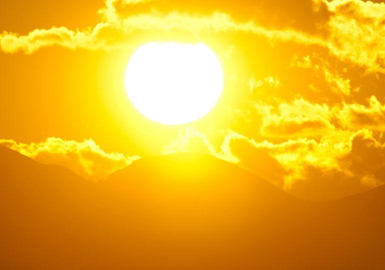 Sol; fin del día; calor extremo