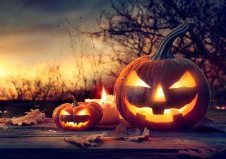 Esta noche de Halloween saca el disfraz ¡y el paraguas!