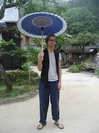 Parasoles para hombres en Japón frente a las olas de calor