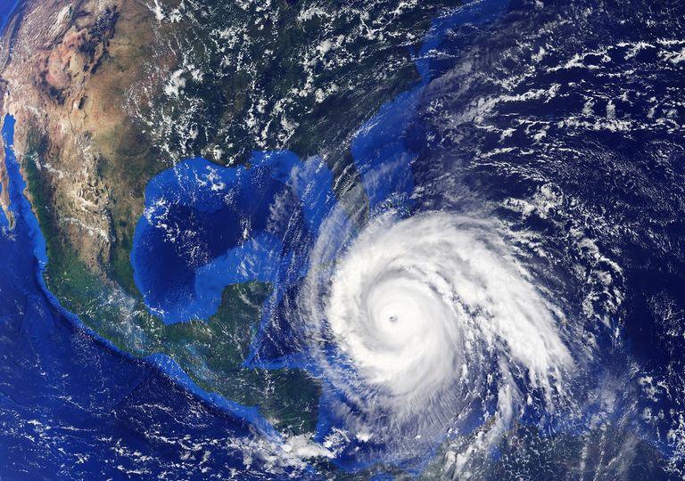 Tormenta tropical sobre el Océano Atlántico