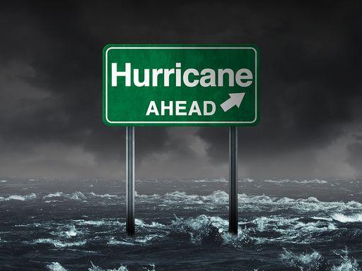 Peligro de marejada ciclónica, motivo: huracán