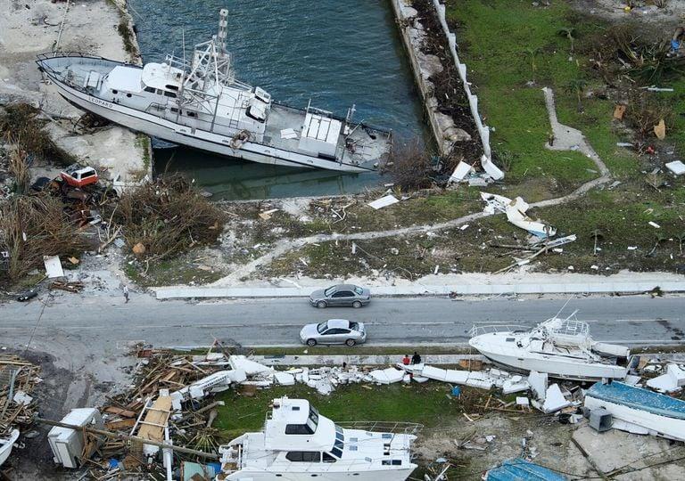 Danos causados pelo furacão Dorian