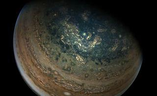 Perijove 16: Pasando por Júpiter