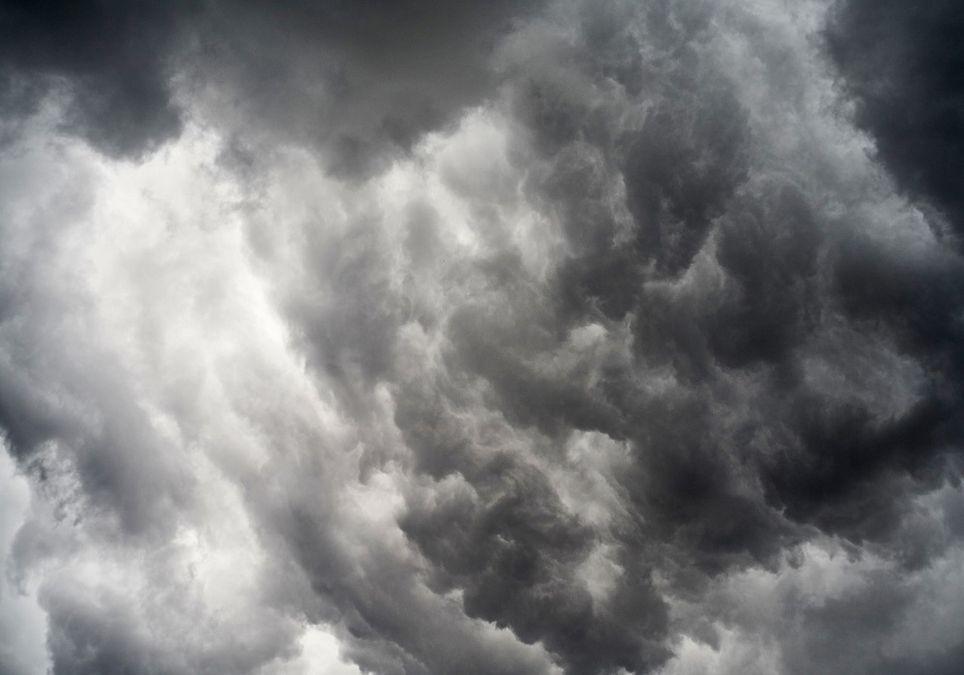 graue Gewitterwolken