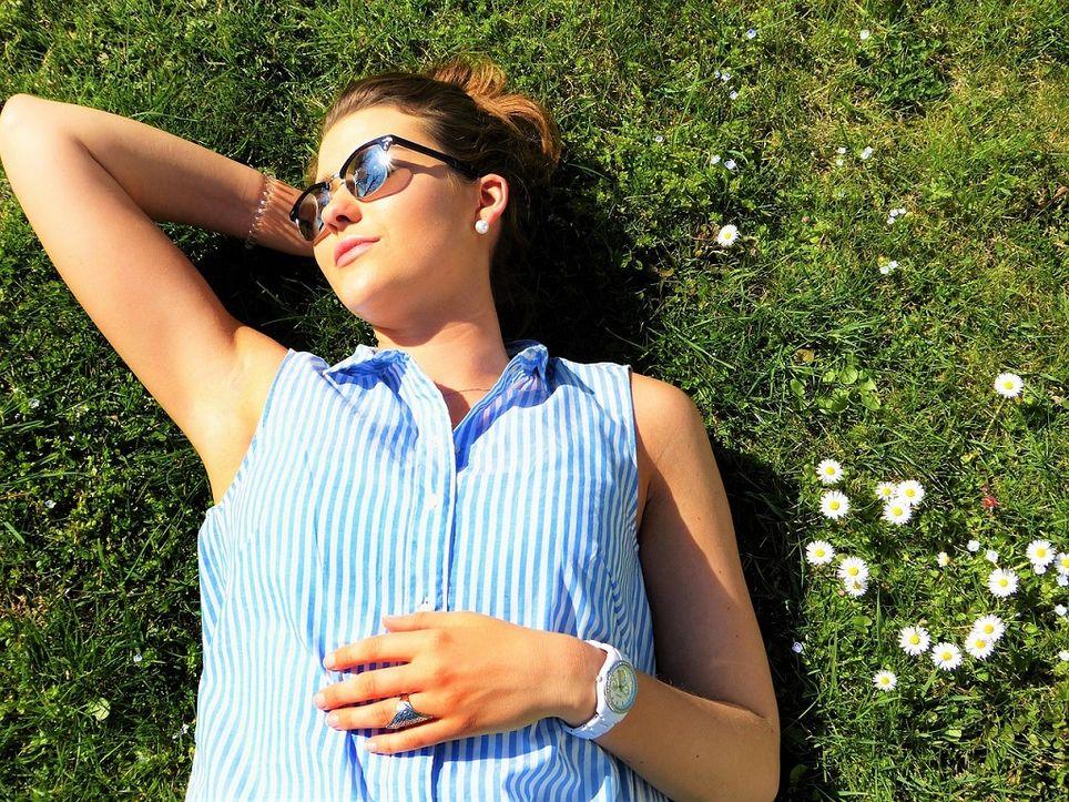 La radiación ultravioleta B (UVB) favorece la presencia de vitamina D en el organismo.