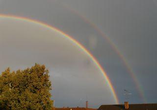 ¿Por qué se formó el arco iris doble?