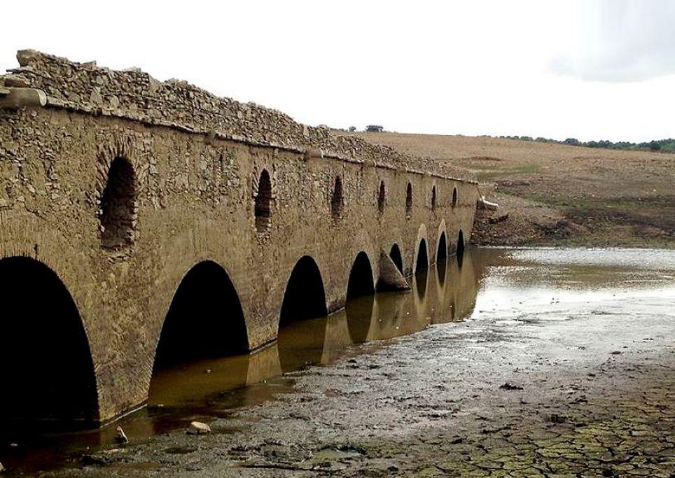Seca e ponte do rio Mourinho