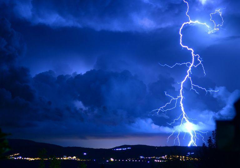 Tormenta eléctrica; rayo